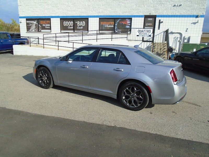 Chrysler 300 2016 13