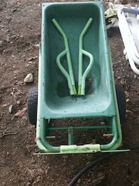 Small wheelbarrow Duncan, V9L 1M8