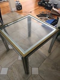 Metal glass coffee table Montréal, H8P 2N6
