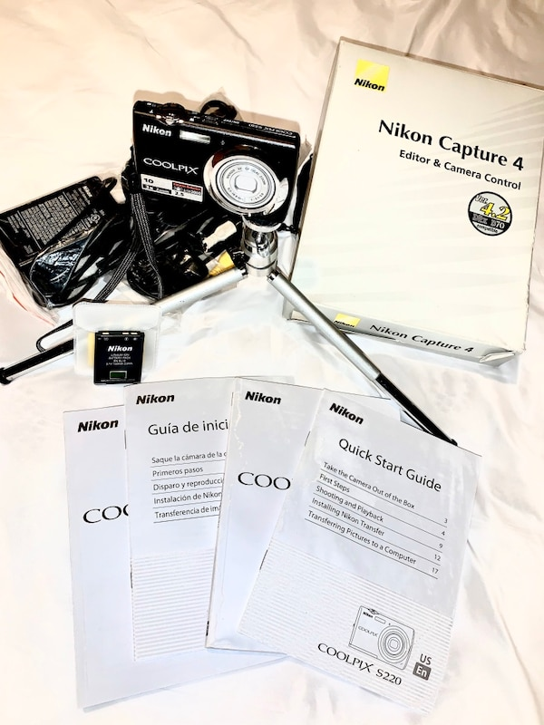 Nikon Coolpix s220 with extras!!! 0
