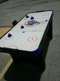 white and blue air hockey table Killeen, 76543