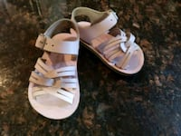 Salt water toddler sandals size 3  Commerce, 90040