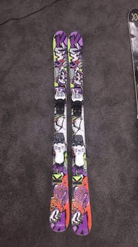 Twin tip trick skis in good condition