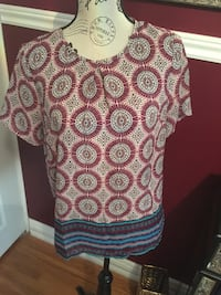 Printed top size small