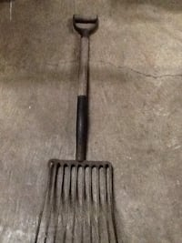 Antique hand forged NYCS Railroad coal fork Dover, 17315