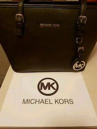 Michael Kors leather tote bag Whitby, L1N 8X2