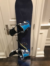 Men's ride snowboard with flow bindings