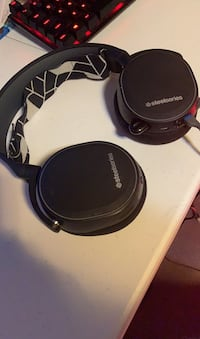 Steel-series Wireless and wired headset best for gaming Brooklyn, 21225
