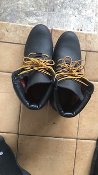 Leather black Timberlands  511 km