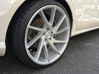 gray multi-spoke vehicle wheel with tire Mississauga, L5B
