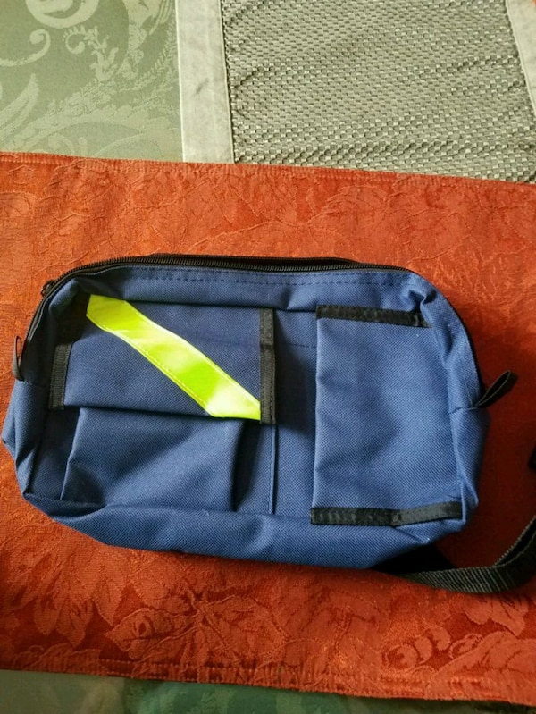 Used Fanny Bag reflective for sale in Port St. Lucie - letgo 268ebeec2