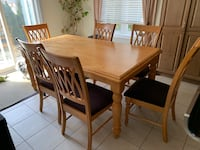 Solid Pine Table & 6 Chairs Vaughan, L4K 5W4