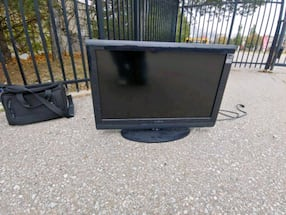 36 inch 1080 p mint condition