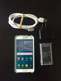 Samsung Galaxy S5 w/ Charger Cable & Box, Case, and Battery Oakton, 22124