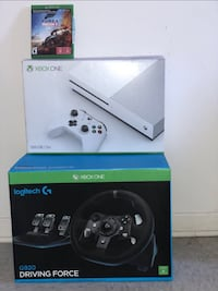 Xbox one +1controller+gear+racing game Montréal, H4T 1Y7