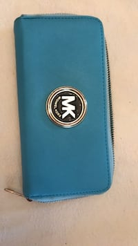 Michael Kors wallet    new  never used   Light blue Toronto, M8Y 1N6