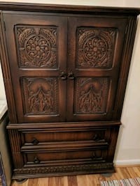 Beautiful armoire - storage chest Washington, 20037
