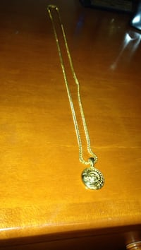 round gold pendant chain necklace