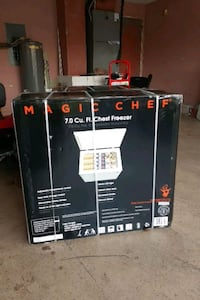 FREEZER. MAGIC CHEF 7 CU