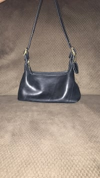Coach black leather sling bag Roanoke, 24019
