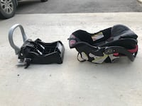 Baby trend car seat and clip in!