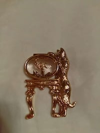 Avon cat looking in fish bowl pin