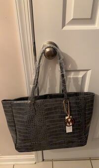 Grey croc tote. Excellent condition. Westminster, 21157