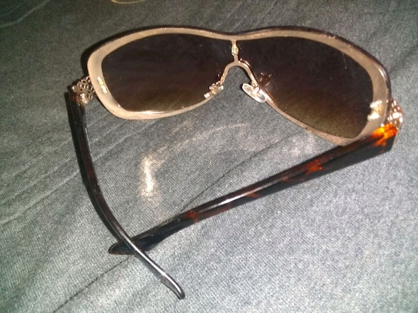 207fa807779 Used Foster Grant sunglasses for sale in McKees Rocks - letgo