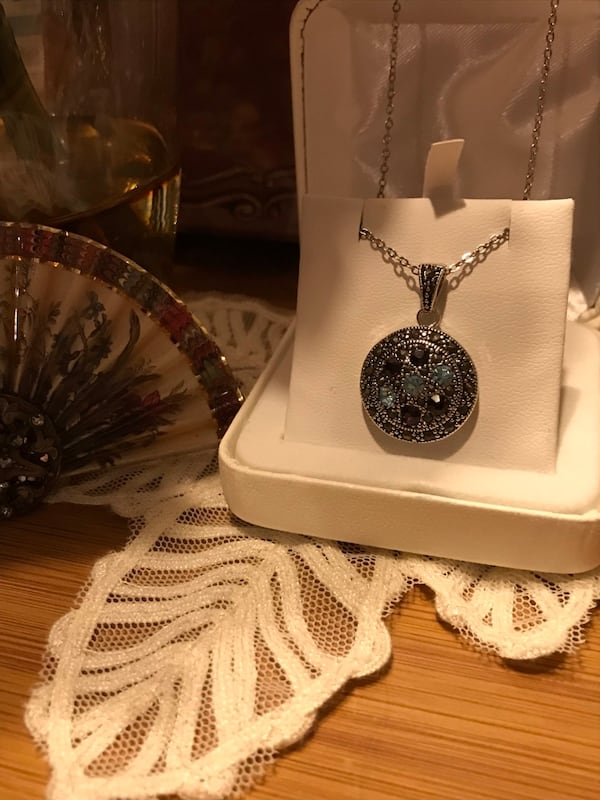 Beautiful! Silver genuine Marcasite Necklace with Crystal Stones 2b4a33a6-6bbe-4709-86d2-3b1a69ea09c1