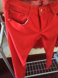 Red pants (s) Xanthi, 67100