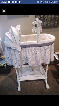 baby's white bassinet Imperial, 15126