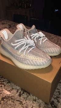 Yeezy Static Non-Reflective Vaughan, L6A 2M5