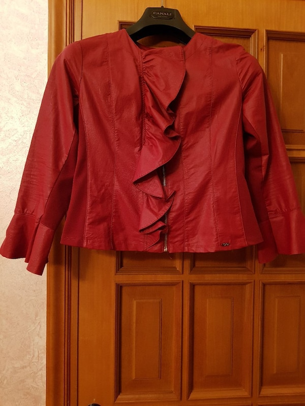 giacca con zip in pelle rossa