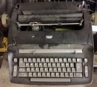 Antique IBM Typewriter Calgary, T2E 3Y6