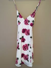white and pink floral spaghetti strap dress Vaughan, L4H 1H9