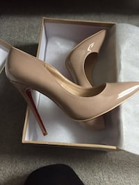 Nude so Kate style louboutin brand new  Mississauga, L5N 4P2