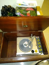 RCA Victor record player 45s & 33s