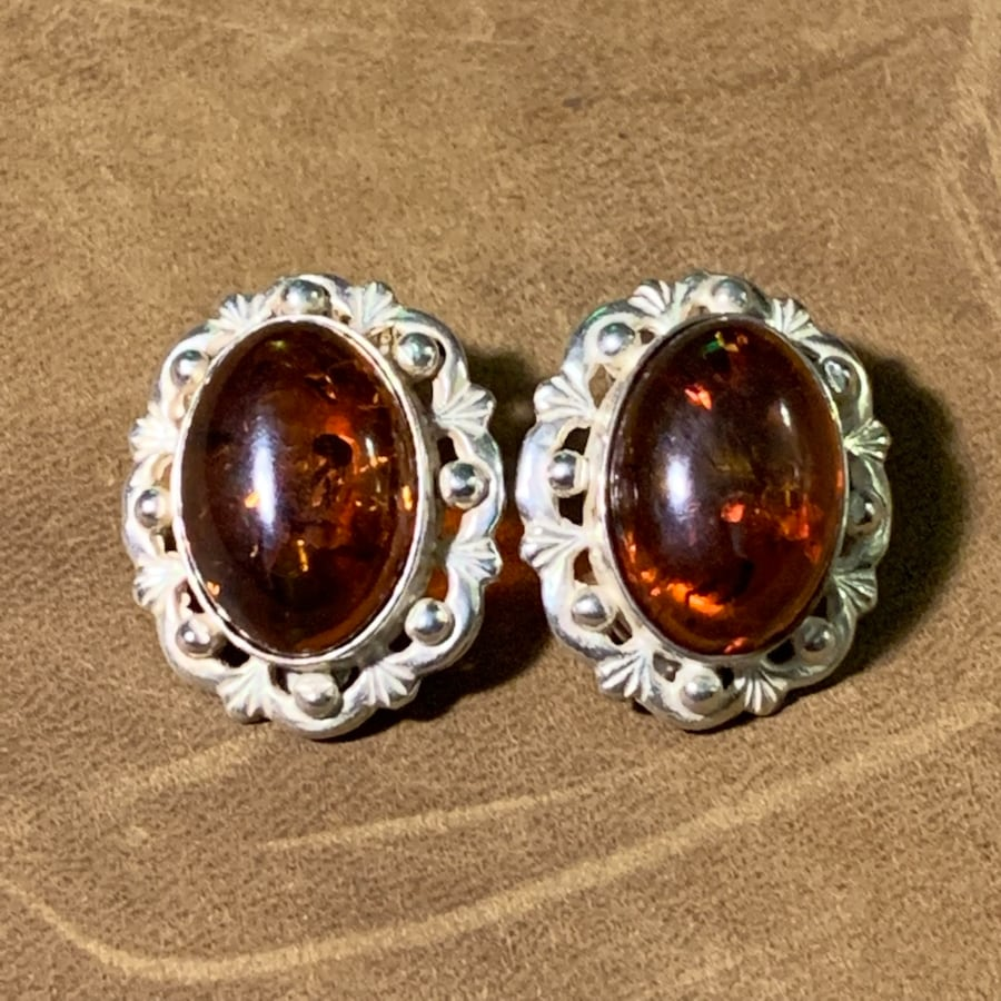 Antique Sterling Silver Baltic Amber Earrings 59c1f8aa-34aa-40d0-9ff3-67c6c1081415