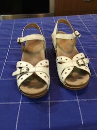 Pair of white leather dansko sandals- size 39 Southfield, 48076