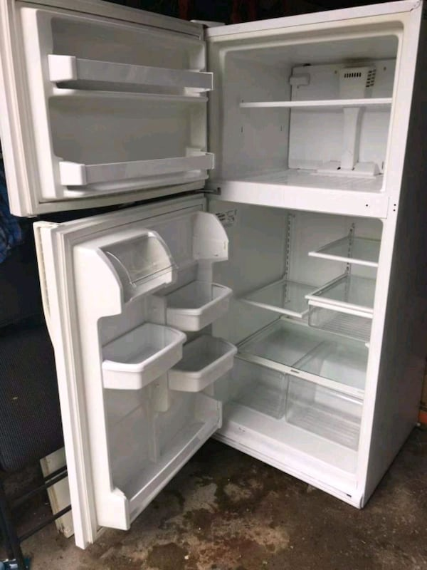 Kenmore fridge mint condition - AS IS cf34a4bf-e874-4d95-8f43-68b8459ea41a