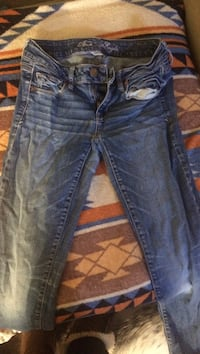 American eagle super stretch size 2