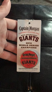 Collectable Giants pin