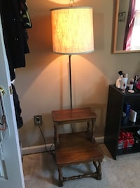 Table lamp with wooden stand