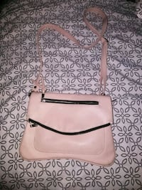 Pink cross body purse Saint Charles