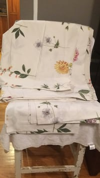 Duvet cover and pillow cases, queen size Chicago, 60657