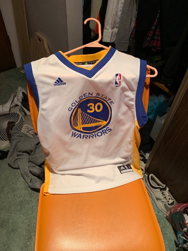 the latest cfa1d c9250 Youth large Stephen curry jersey. Perfect condition hardly ever worn.