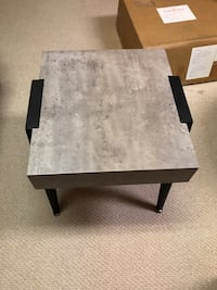 Side/End table Mississauga, L5B 3C9
