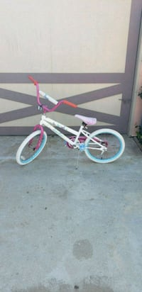 Girls bike  Perris, 92570