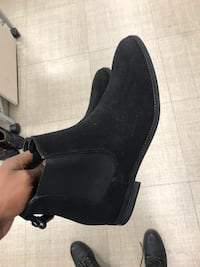 unpaired black leather chunky heel boot Glendale, 85301