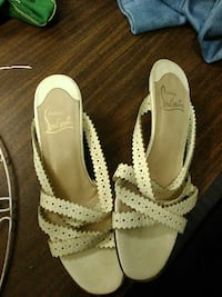 pair of beige-and-brown leather open-toe heeled sandals Modesto, 95355